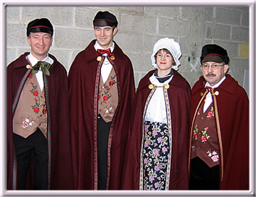 Costumes traditionnels.